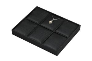 黑色泰絲布珠寶飾品展示櫃內部陳列六格墜盤